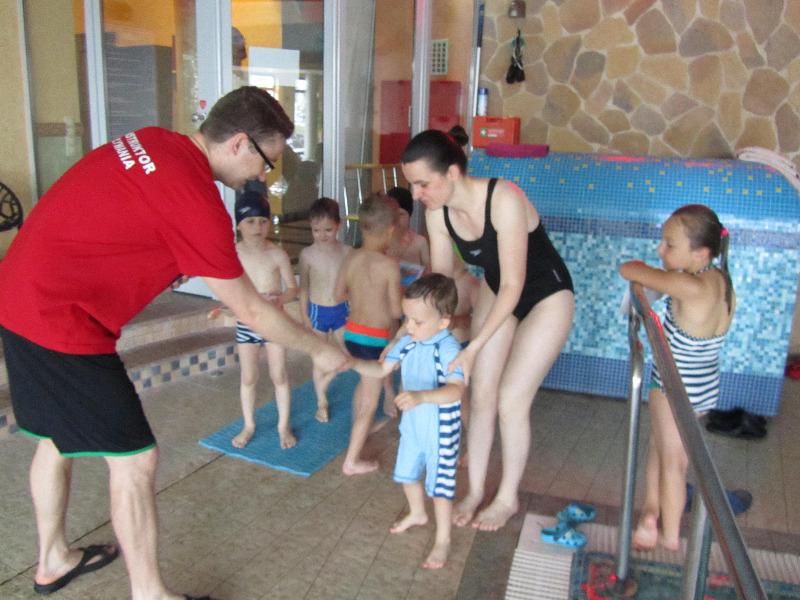 Już wakacje i zakończenie kursów nauki pływania