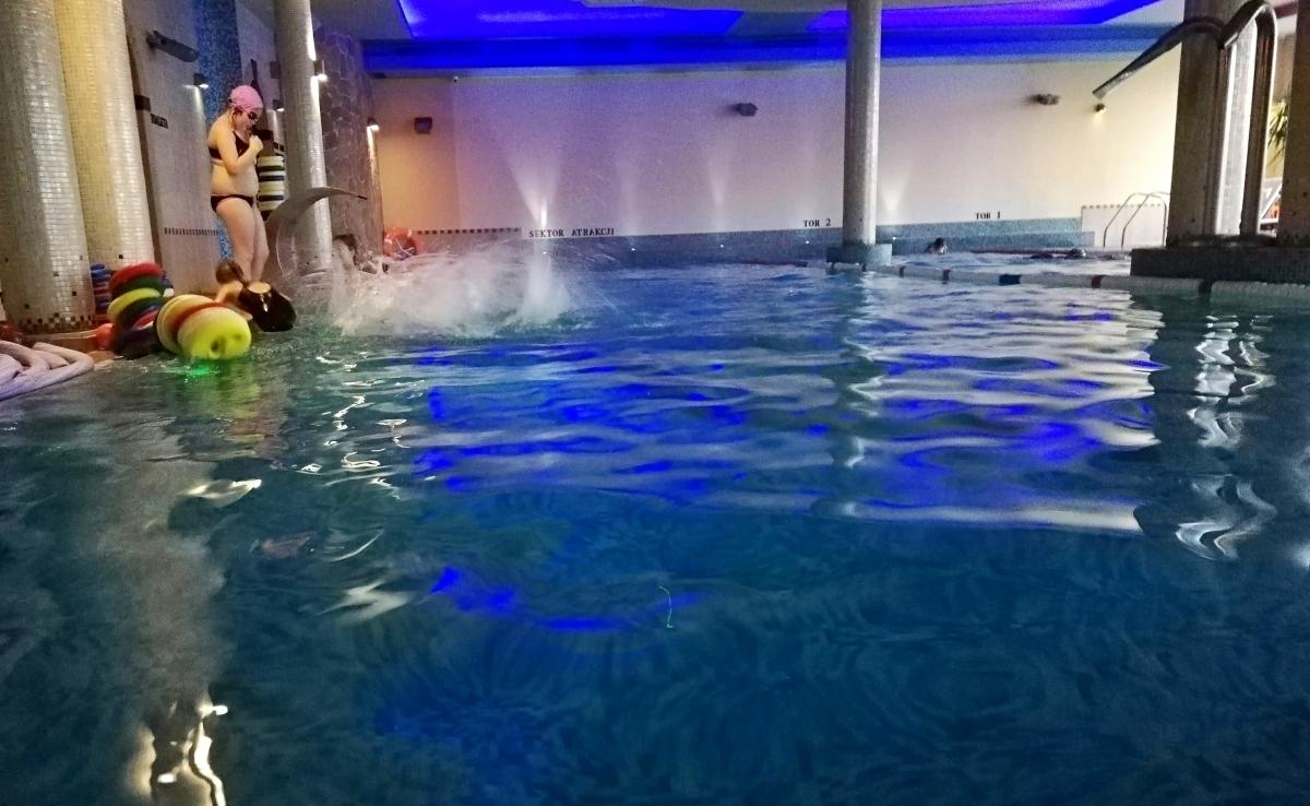 Rozdanie dyplomów - kurs nauki pływania