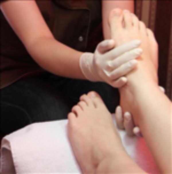 Zabieg parafinowy na dłonie lub stopy